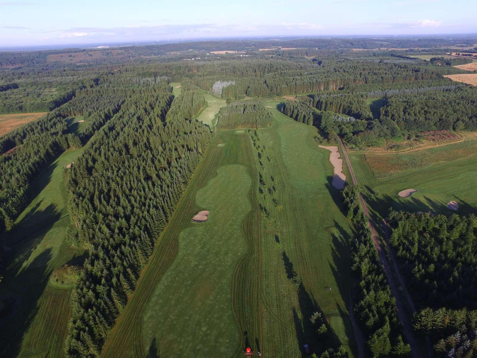 Golfbane, overnatning, selskabslokaler, fiskesø ved Silkeborg - Tollundgaard Golf Park